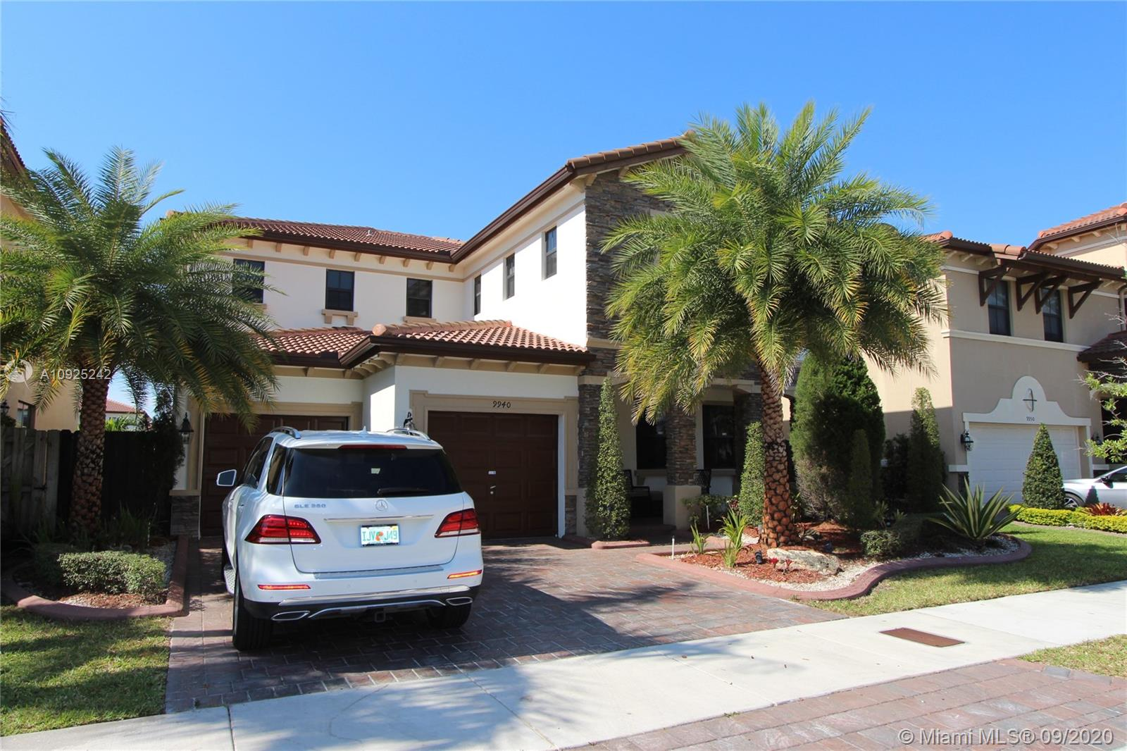 9940 NW 88th Ter #9940 For Sale A10925242, FL