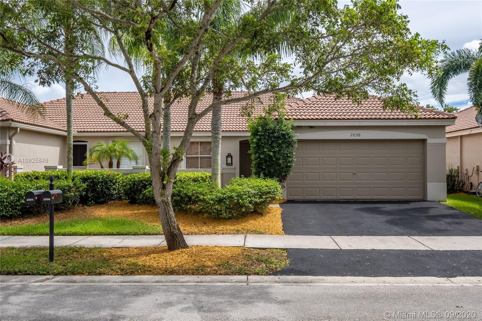 2098  Borealis Way  For Sale A10925846, FL