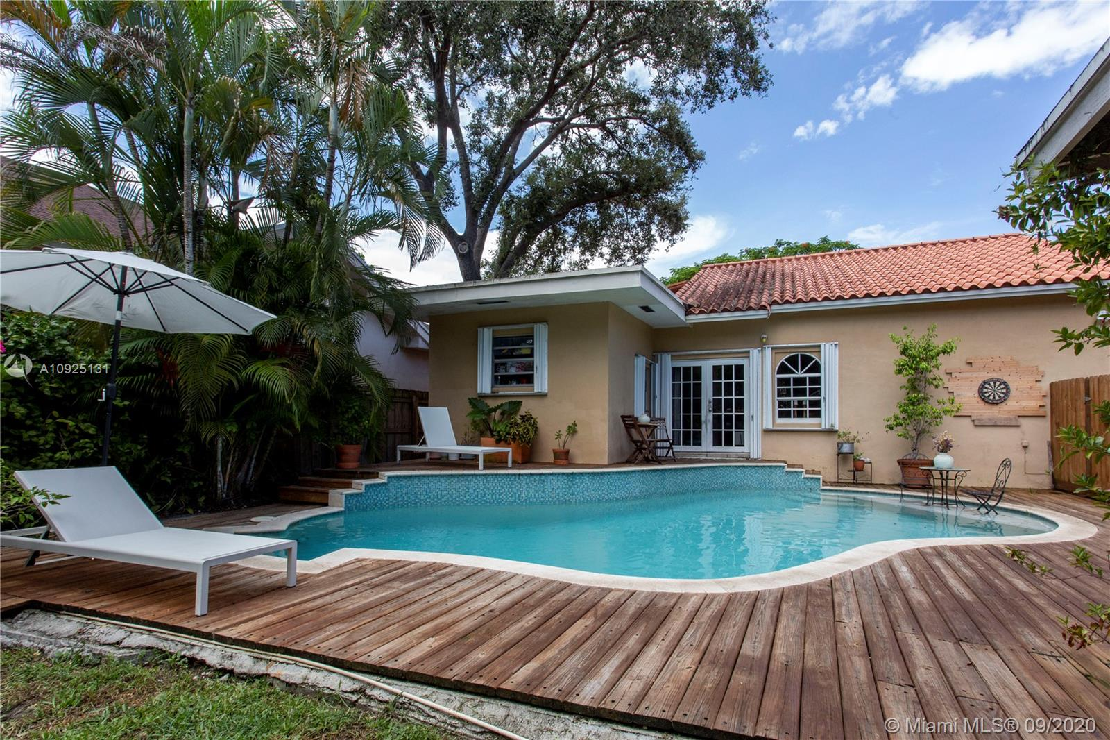 2656 SW 25th Ter  For Sale A10925131, FL