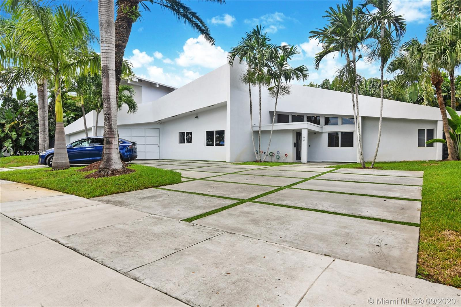 1941 NE 197th Ter  For Sale A10925725, FL