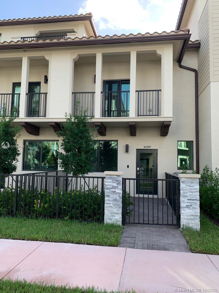 4644 NW 83rd Path #4644 For Sale A10926048, FL
