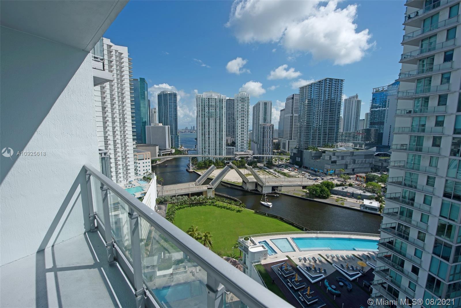 90 SW 3rd St #2411 For Sale A10925618, FL