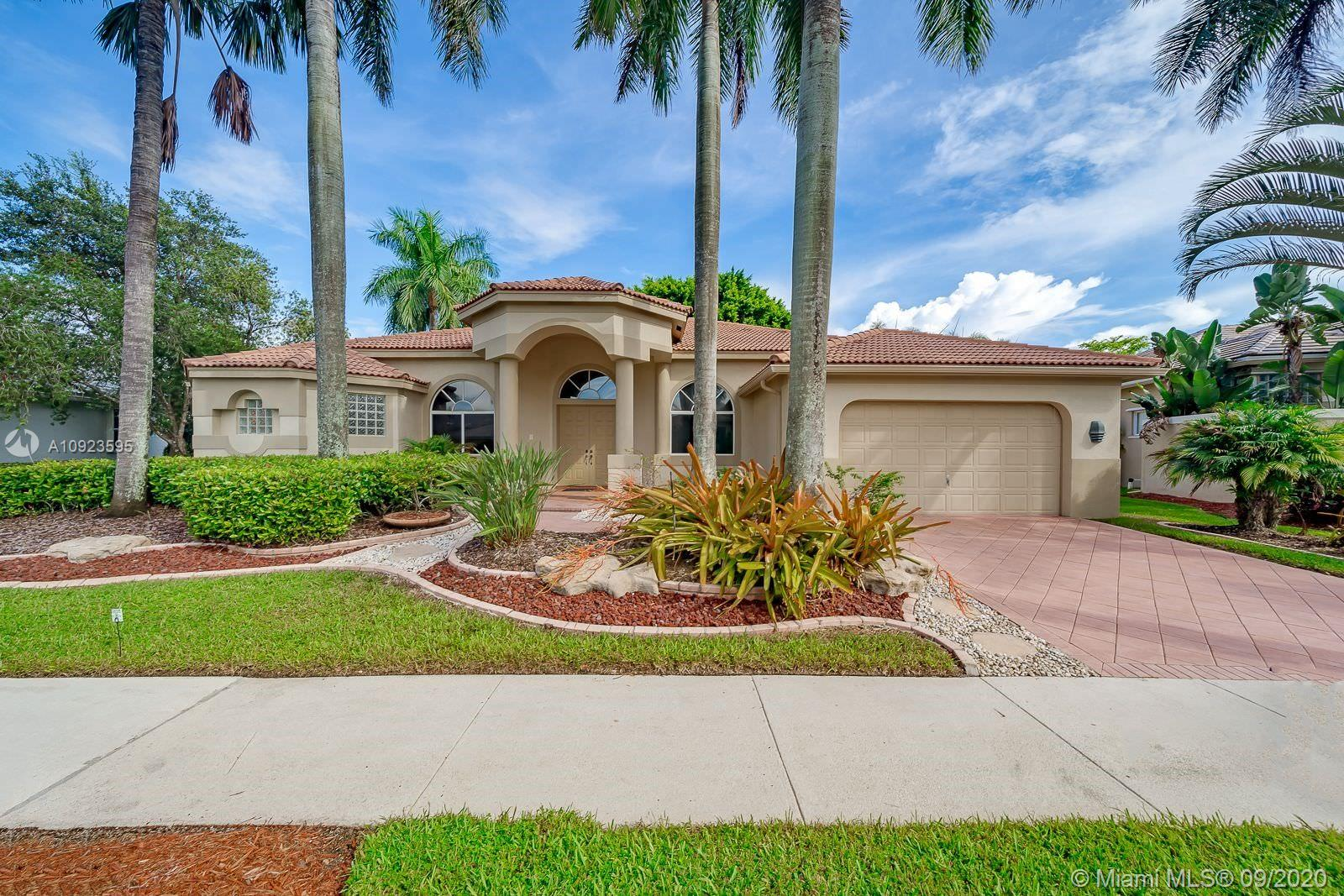2565  Mayfair Ln  For Sale A10923595, FL
