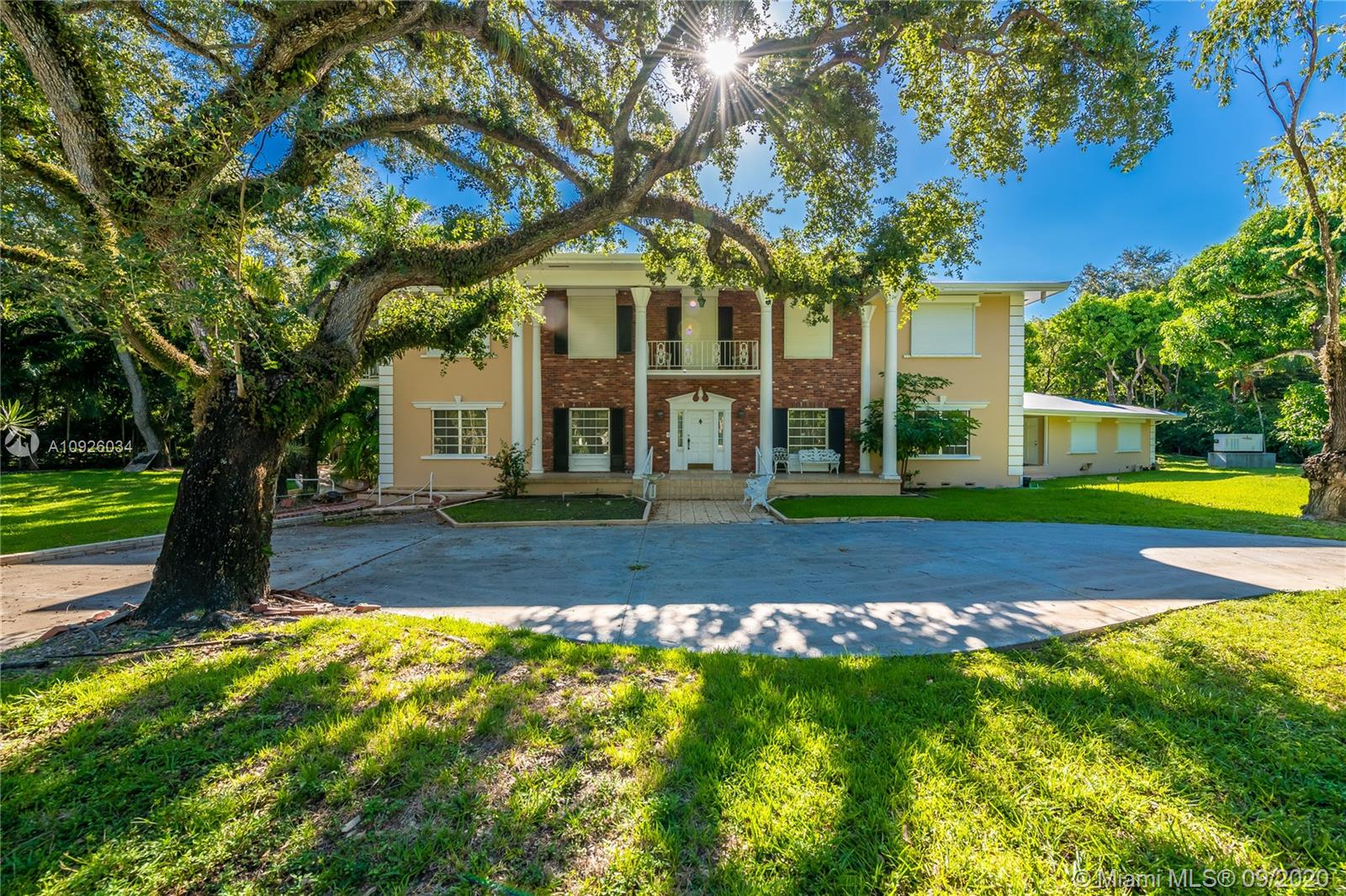 9200  Old Cutler Rd  For Sale A10926034, FL