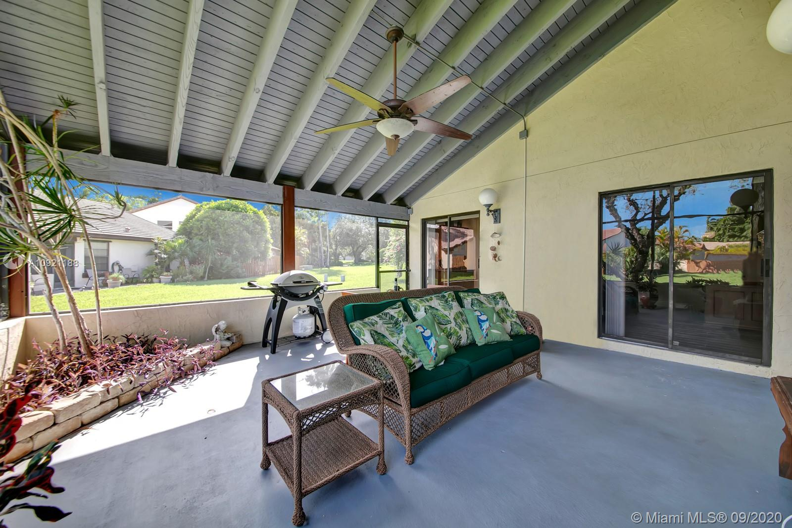2083  Augusta  For Sale A10921188, FL
