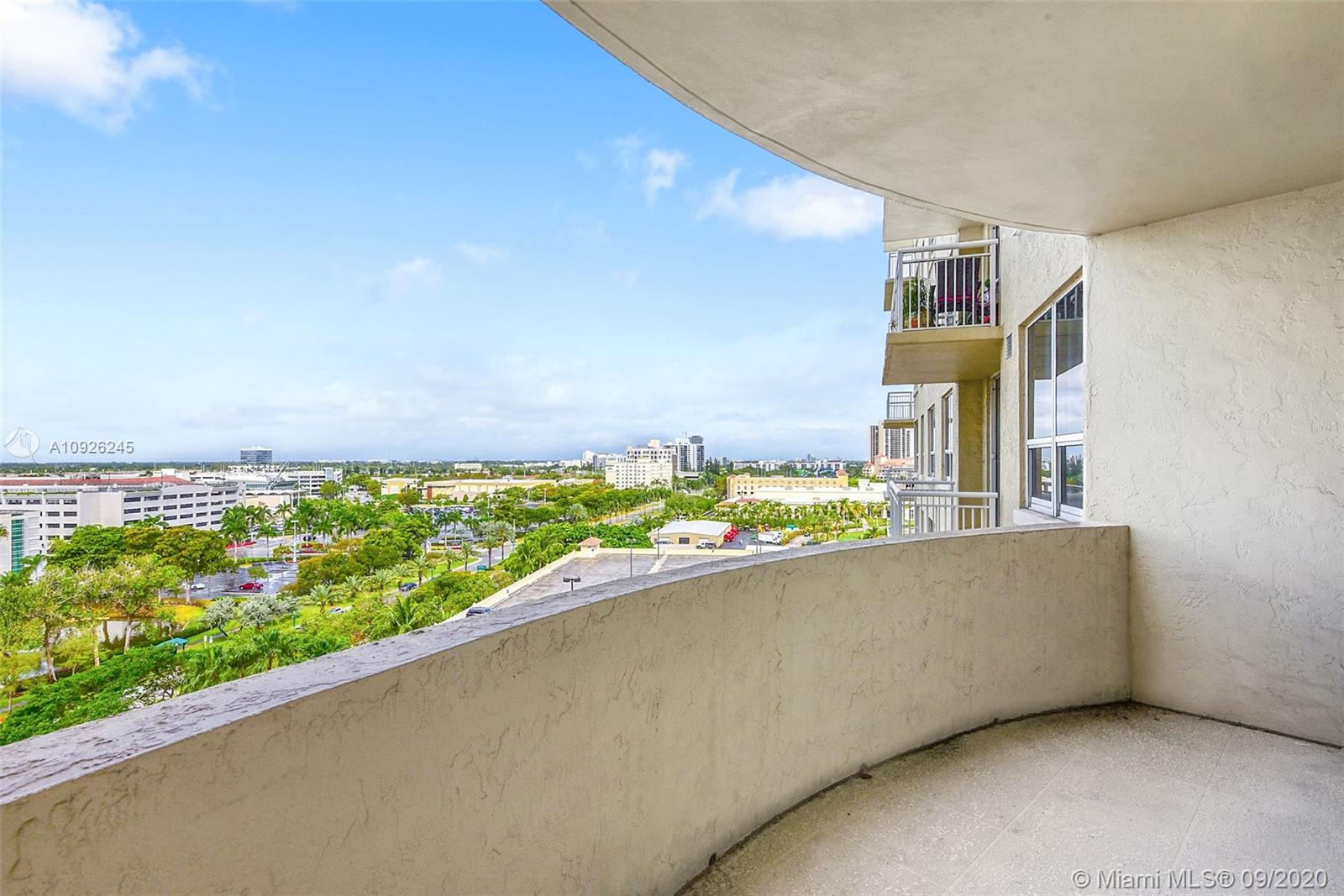 19501 W Country Club Dr #1011 For Sale A10926245, FL