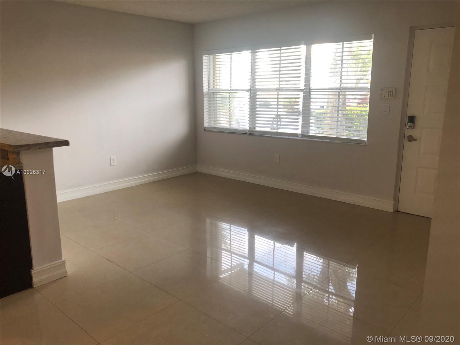 1 BEDROOM 1 BATH READY TO BE MOVED IN. HUGE WALK IN CLOSET, AND FULL WASHER AND DRYER IN UNIT. LOCATED INSIDE A GATED COMMUNITY WITH COMMUNITY POOL, KIDDIE POOL, AND PLAYGROUND. COMMUNITY LOCATED NEAR BUS STOP, AND MANY SHOPPING PLAZAS.