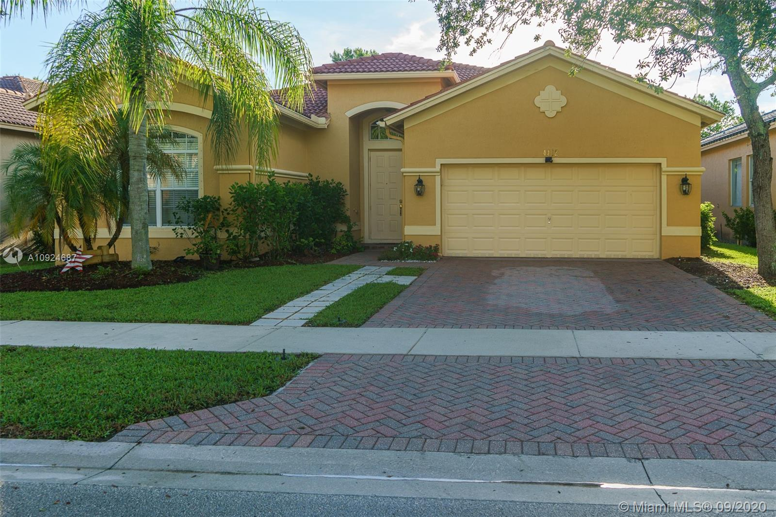 4412 W Whitewater Ave  For Sale A10924687, FL
