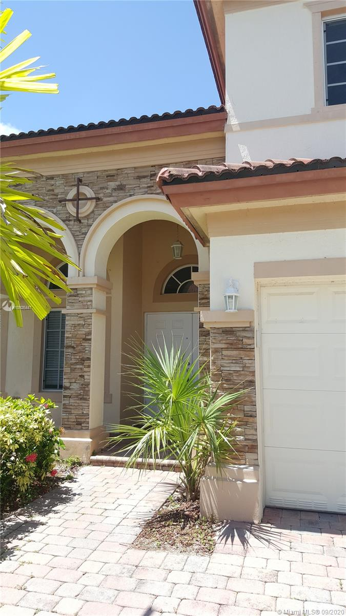 9402 SW 218th Ln  For Sale A10926447, FL