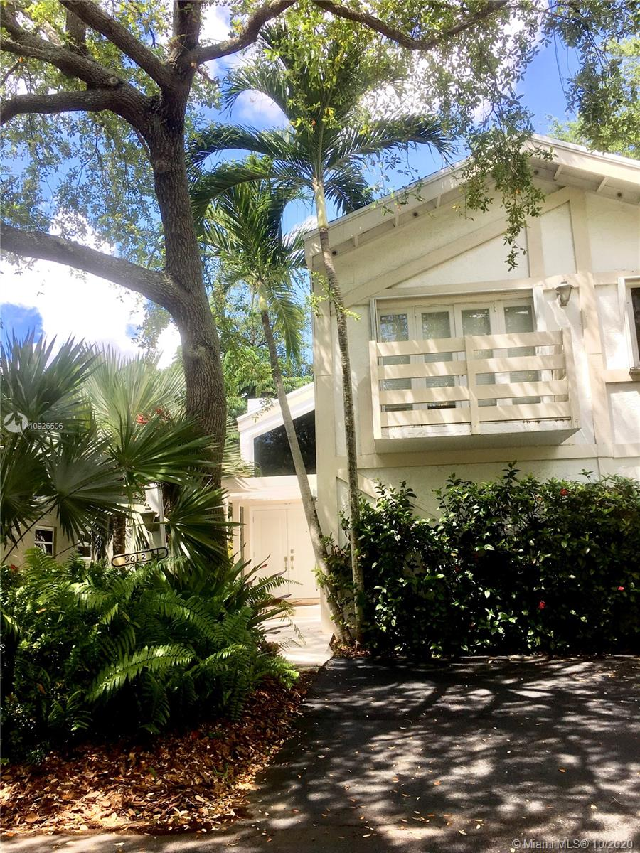 PRISTINE 2-STORY, 3/3 SINGLE FAMILY IN SOUGHT AFTER GATED COMMUNITY OF PEPPERWOOD LOCATED CLOSE TO DADELAND MALL. GORGEOUS HOME WITH VOLUME CEILINGS, TRAVERTINE MARBLE FLOORS THROUGHOUT LIVING AREAS AND WOOD FLOORING IN UPSTAIRS BEDROOMS, UPDATED KITCHEN AND BATHS WITH ALL WOOD CABENETRY WITH MARBLE COUNTERTOPS & SCREENED PATIO.  AMENITIES INCLUDE: COMMUNITY POOL, TENNIS COURTS, GAZEBO.   'GATED ENTRANCE'     EXCELLENT LOCATION CLOSE TO BAPTIST, DADELAND MALL, EXPRESS WAYS.  **OWNER REQUIRES GOOD CREDIT!
