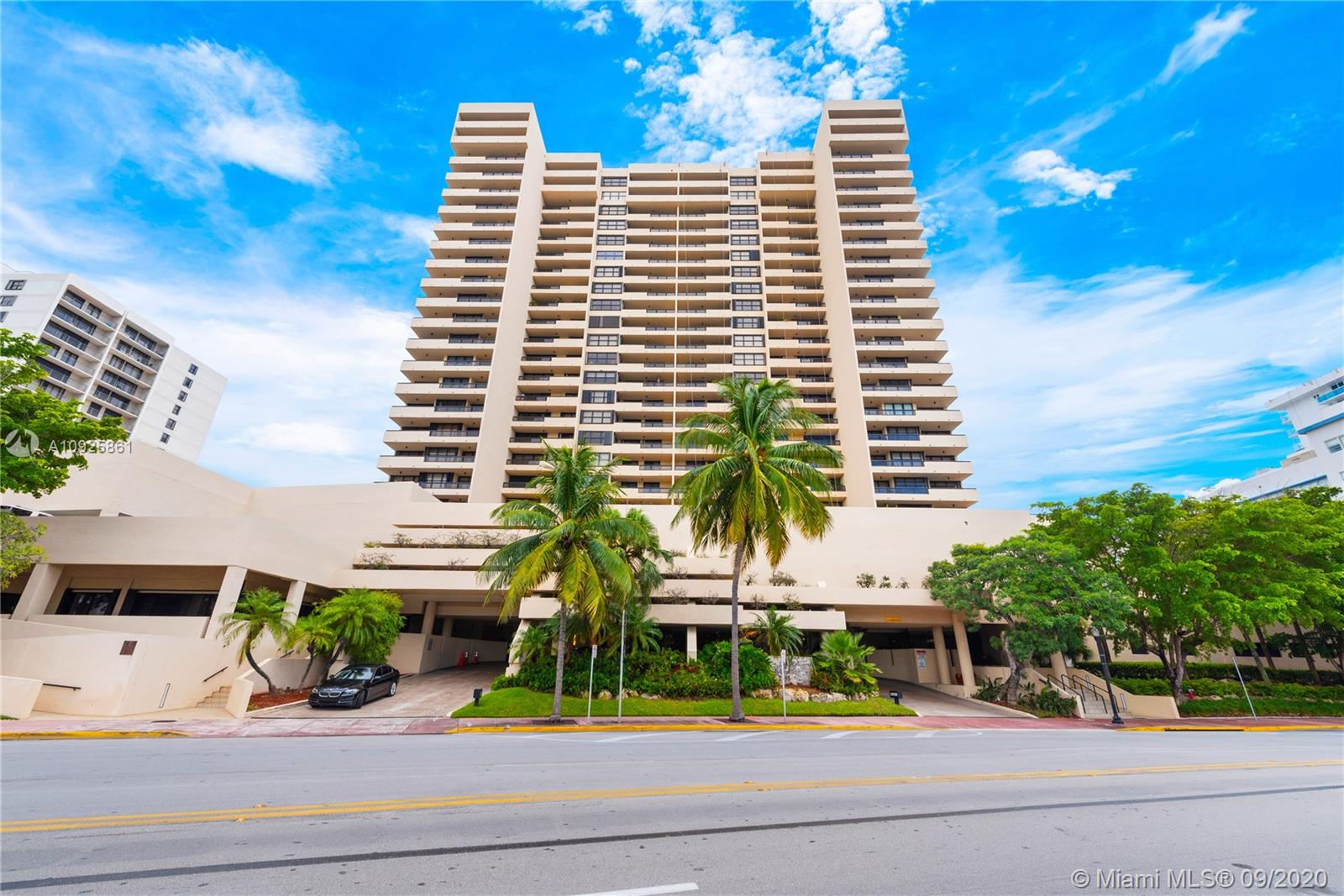 2555  Collins Ave #1101 For Sale A10925861, FL