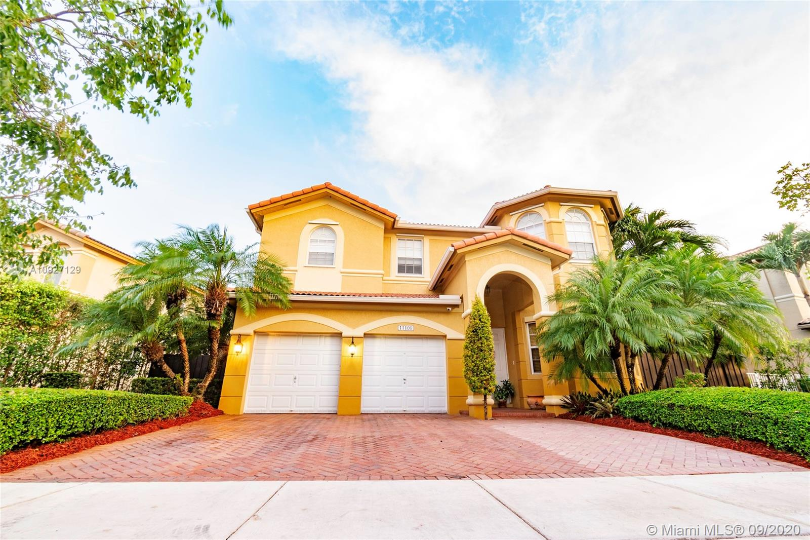 11108 NW 80th Ln  For Sale A10927129, FL