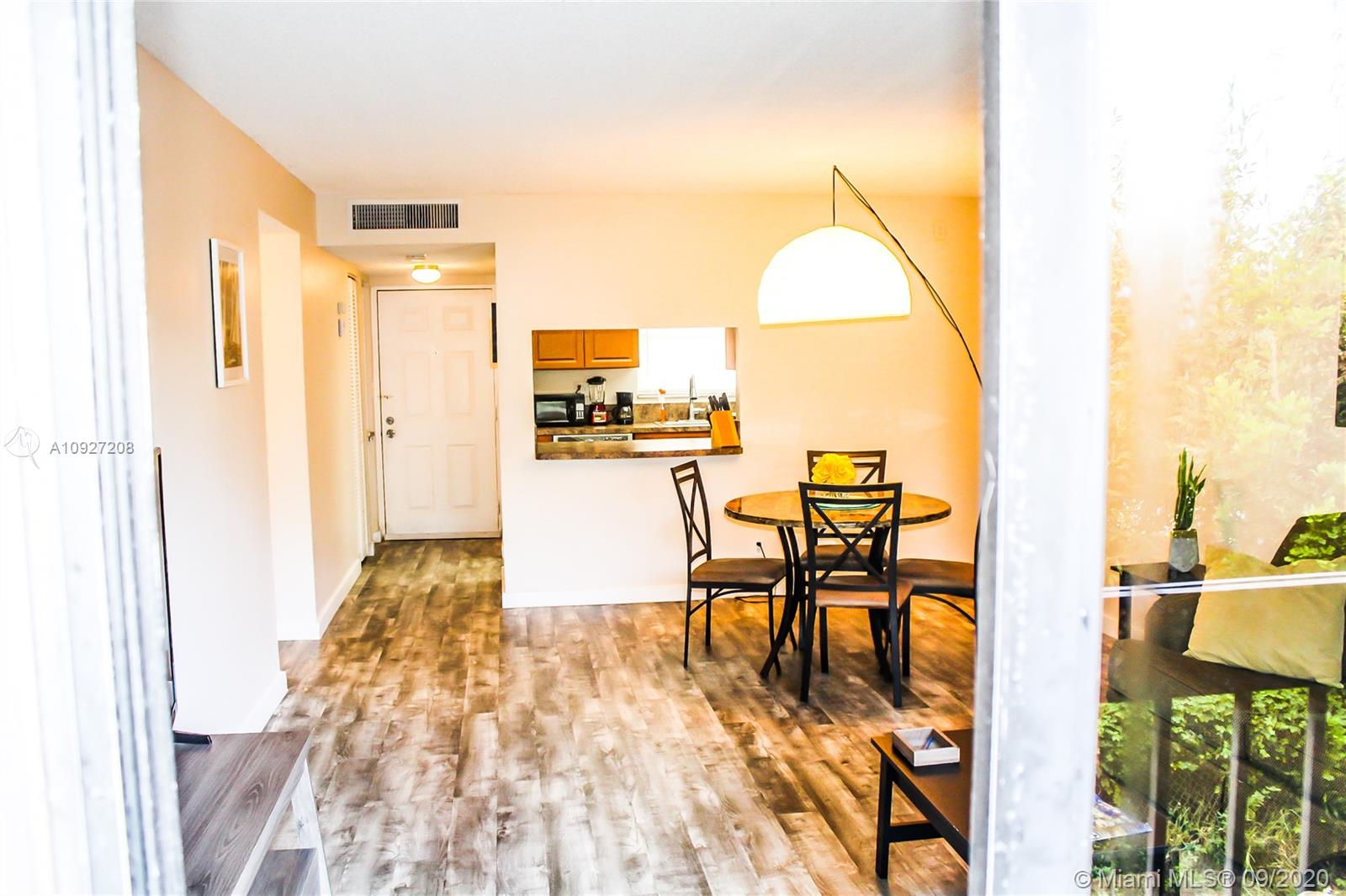 2050 N Congress Ave #203 For Sale A10927208, FL