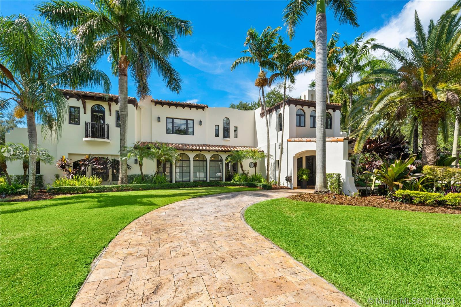 6864 SW 68th St  For Sale A10925155, FL