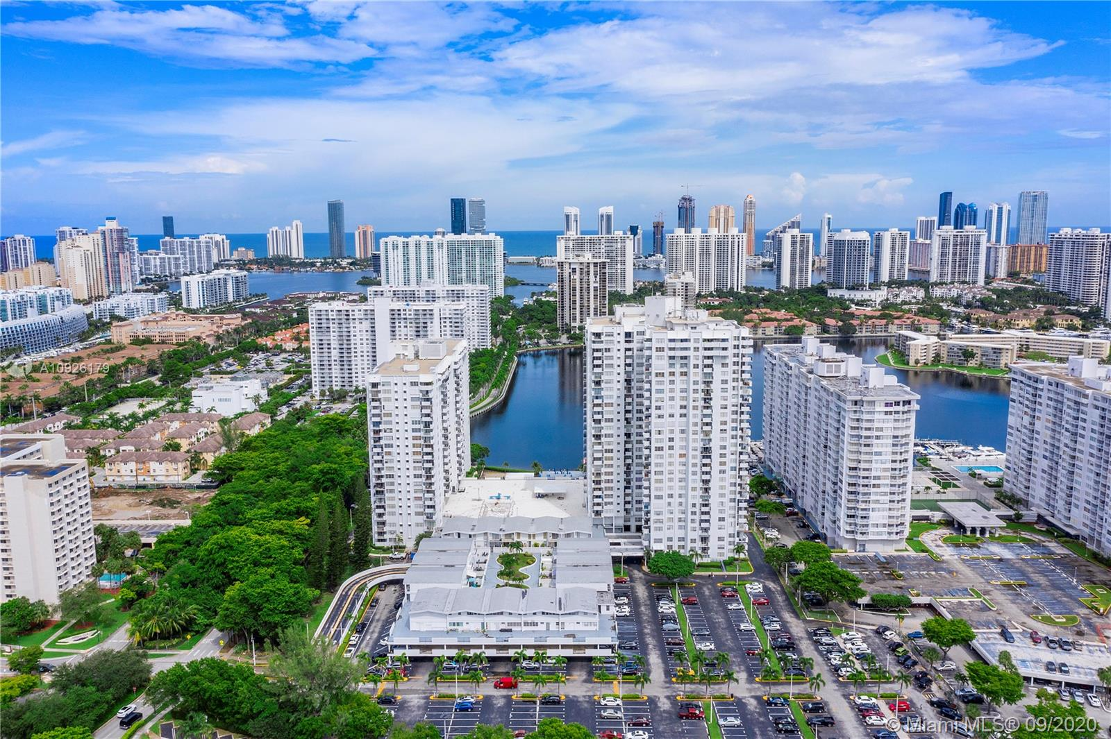 2750 NE 183rd St #402 For Sale A10926179, FL