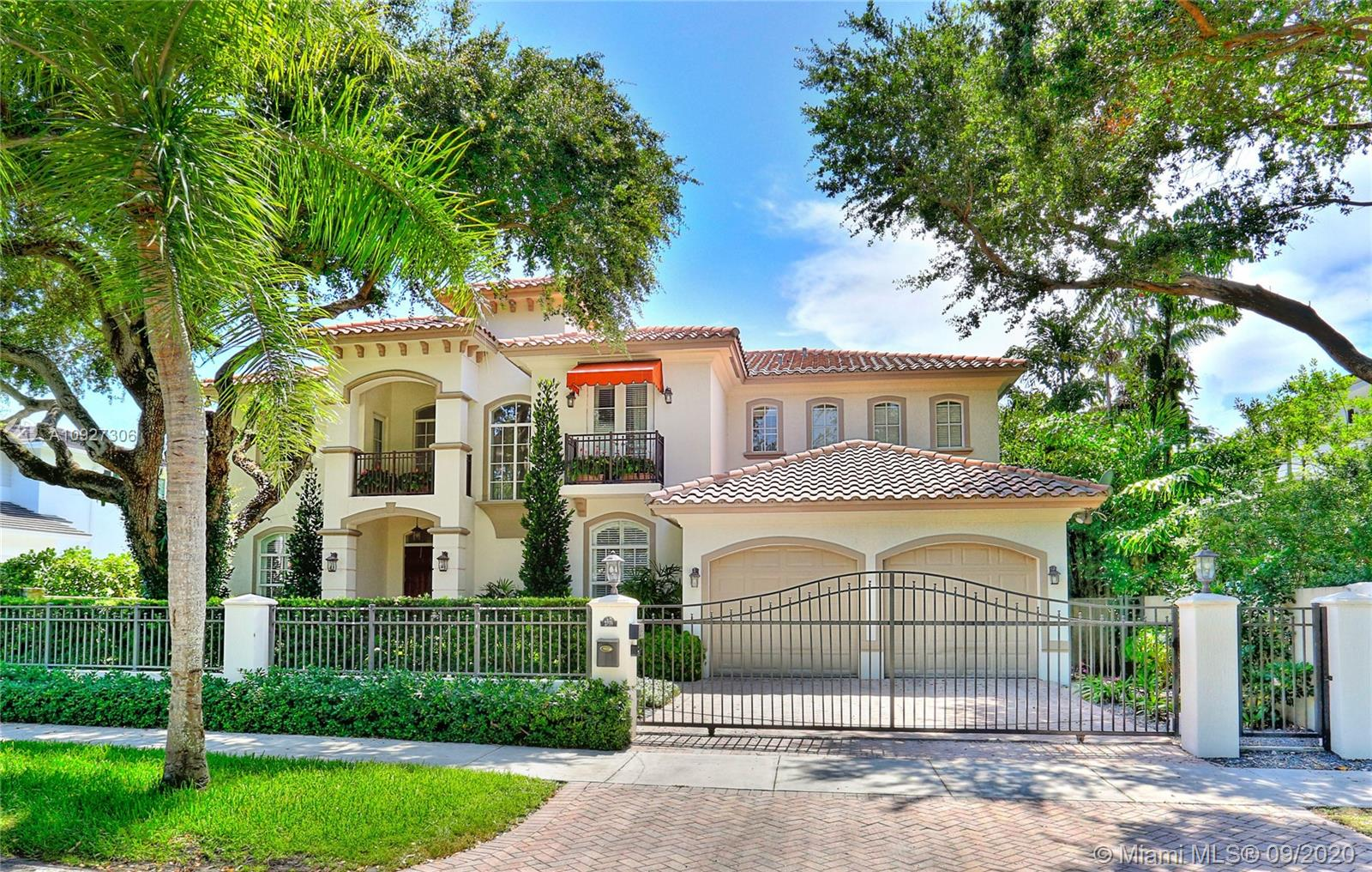 2710  Hilola St  For Sale A10927306, FL