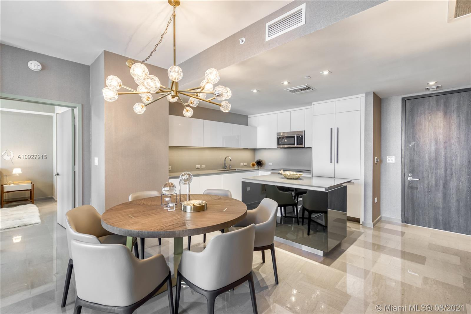 88 SW 7th St #2905 For Sale A10927215, FL