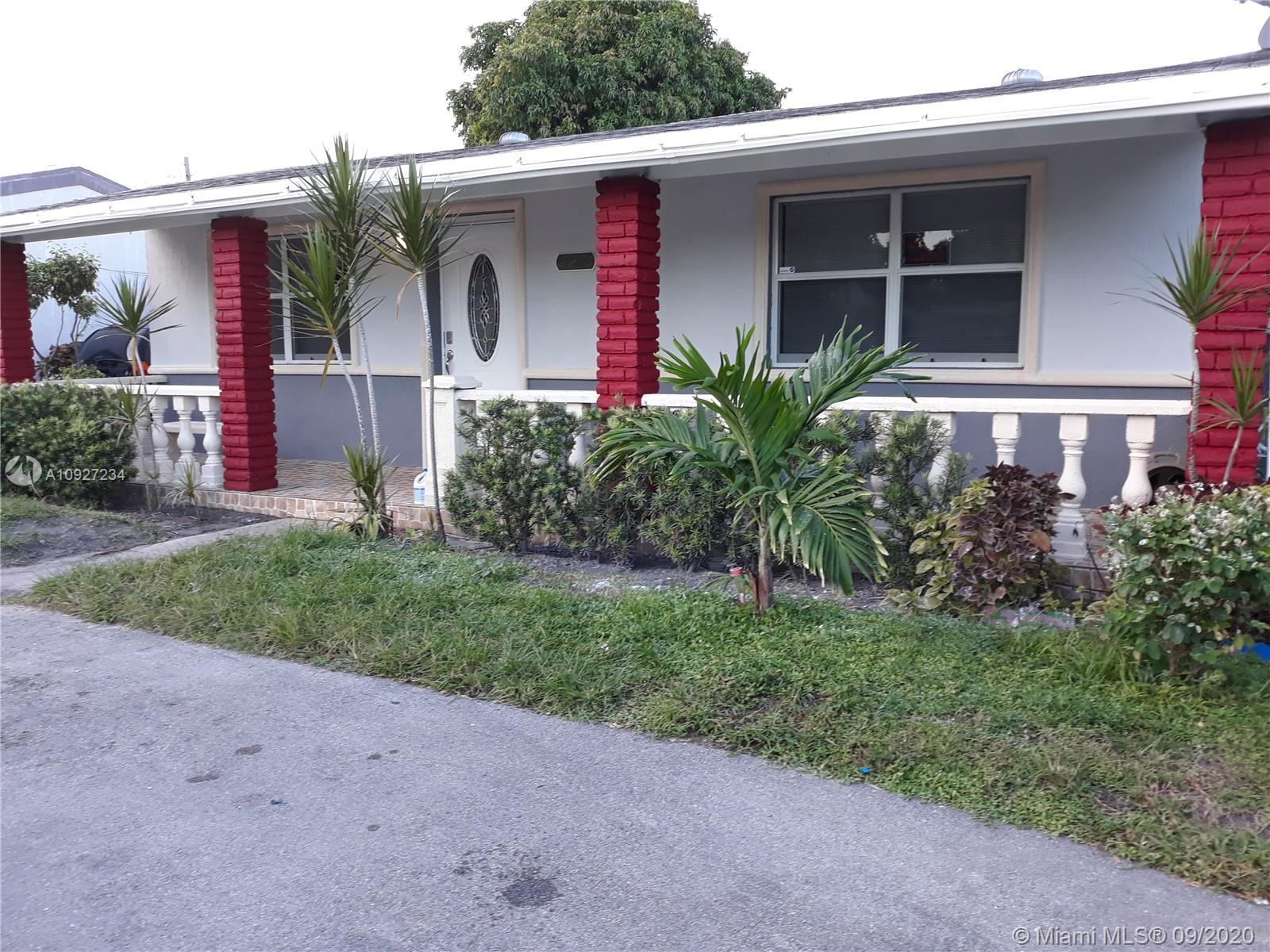 2215  PLUNKETT ST  For Sale A10927234, FL