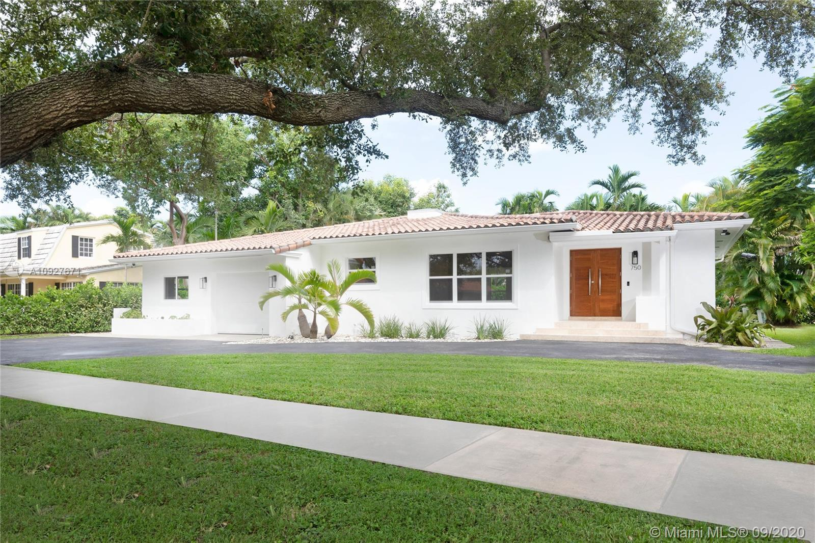 750  Paradiso Ave  For Sale A10927671, FL
