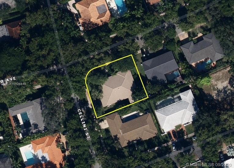 950  Bayamo Ave  For Sale A10926648, FL