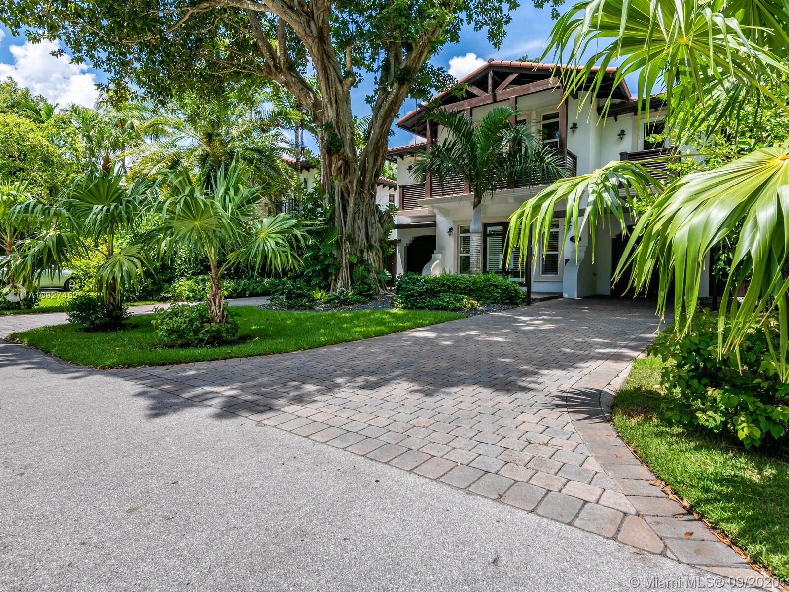 3801  Crawford Ave  For Sale A10927452, FL