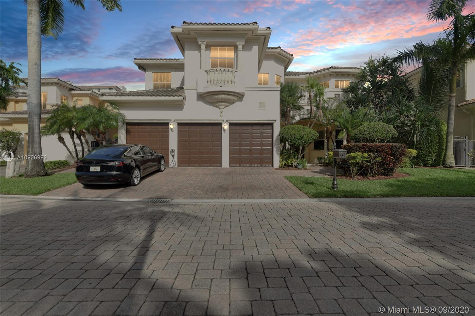 1455  Windjammer Way  For Sale A10926992, FL