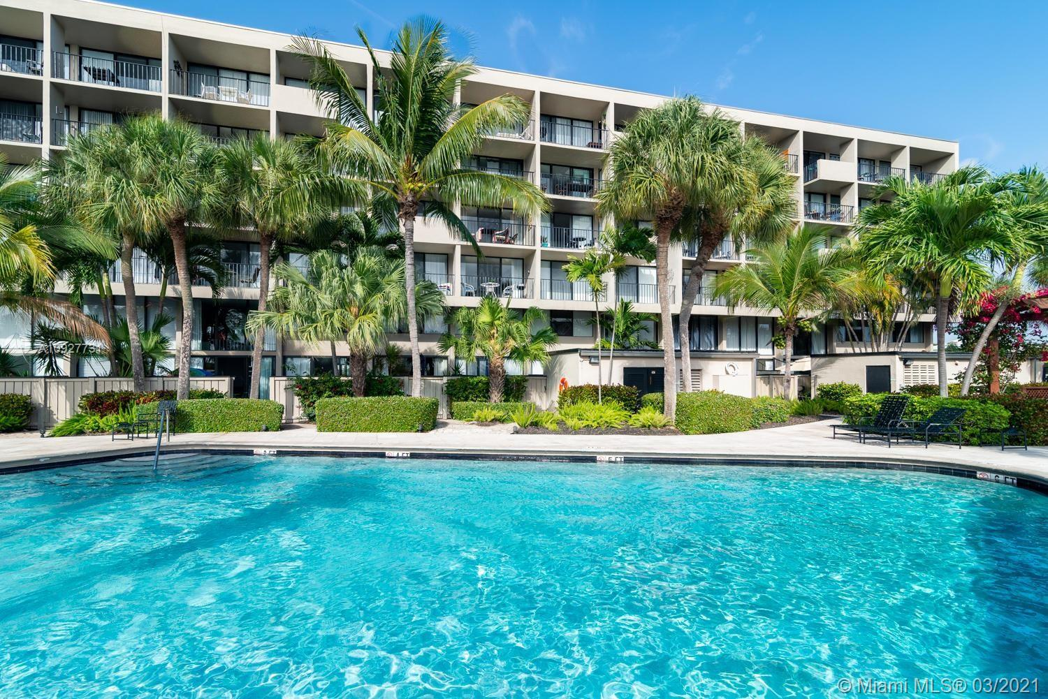 1830  Embassy Dr #118 For Sale A10927731, FL