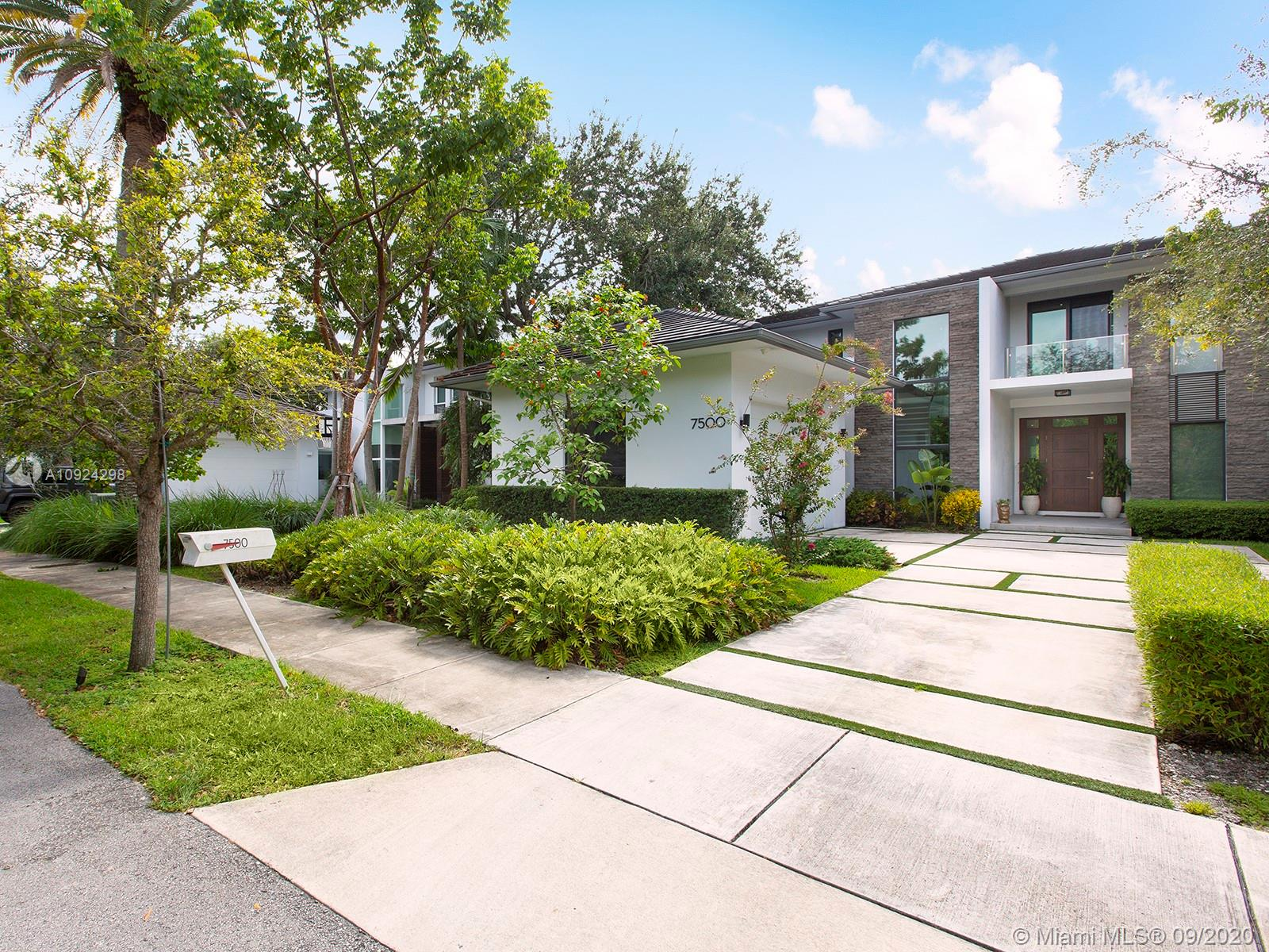 7500 SW 57th Ct  For Sale A10924298, FL