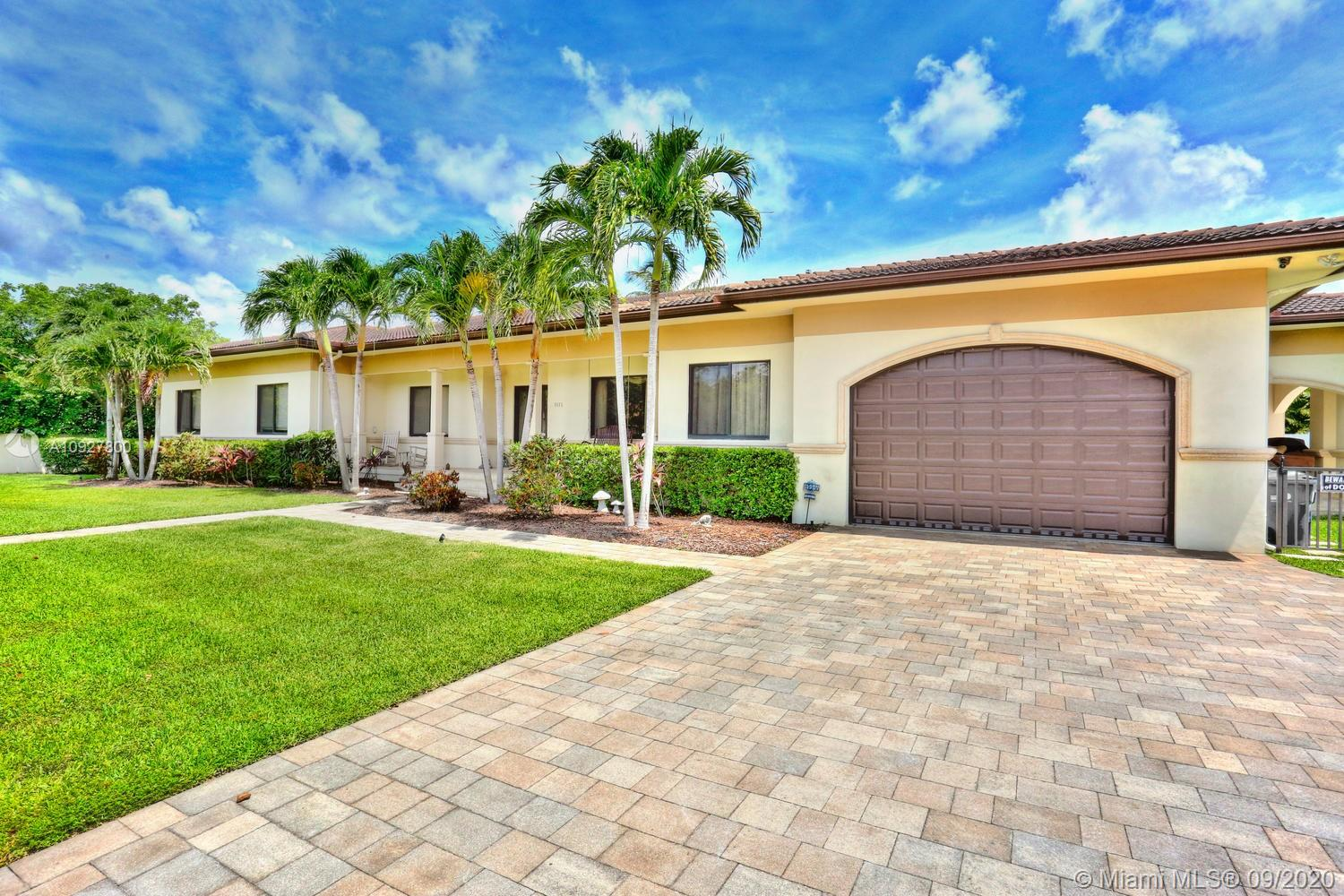 9575 SW 101st Ter  For Sale A10927800, FL