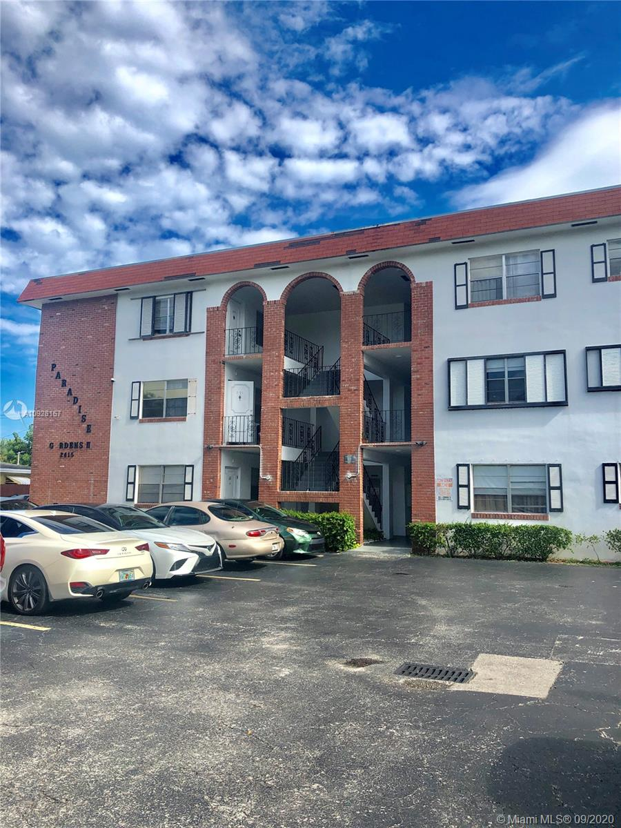 2415  Lincoln St #204 For Sale A10928167, FL