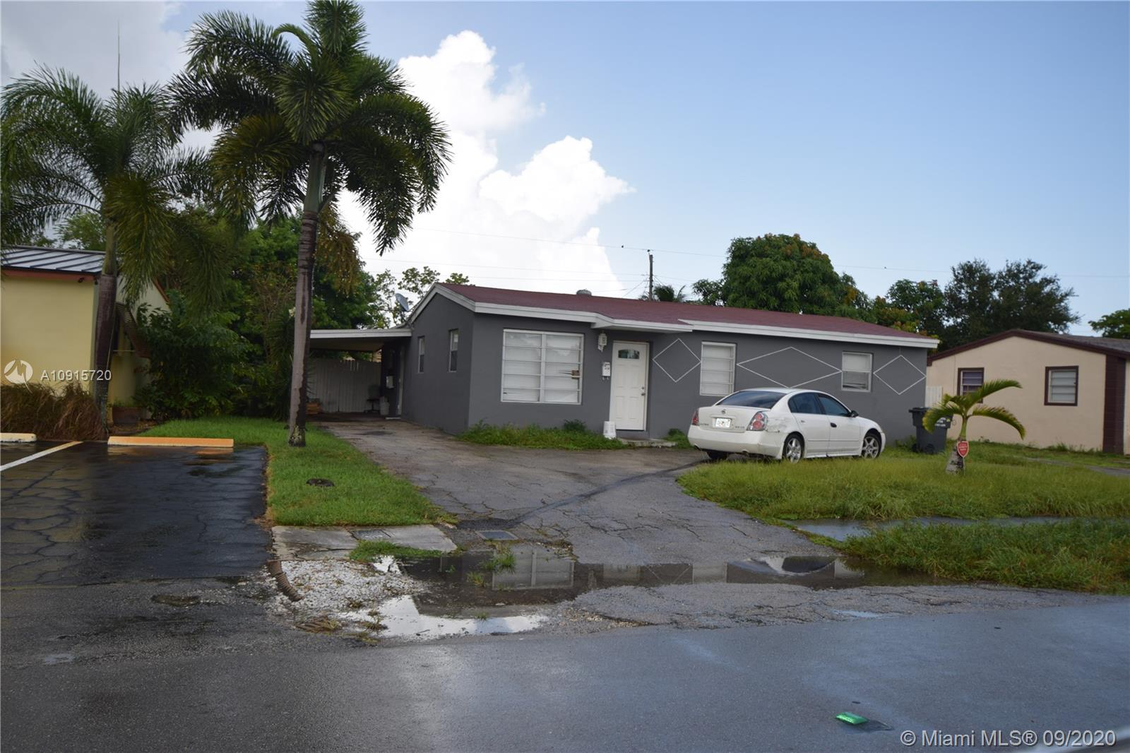 1631 N 68th Ave  For Sale A10915720, FL