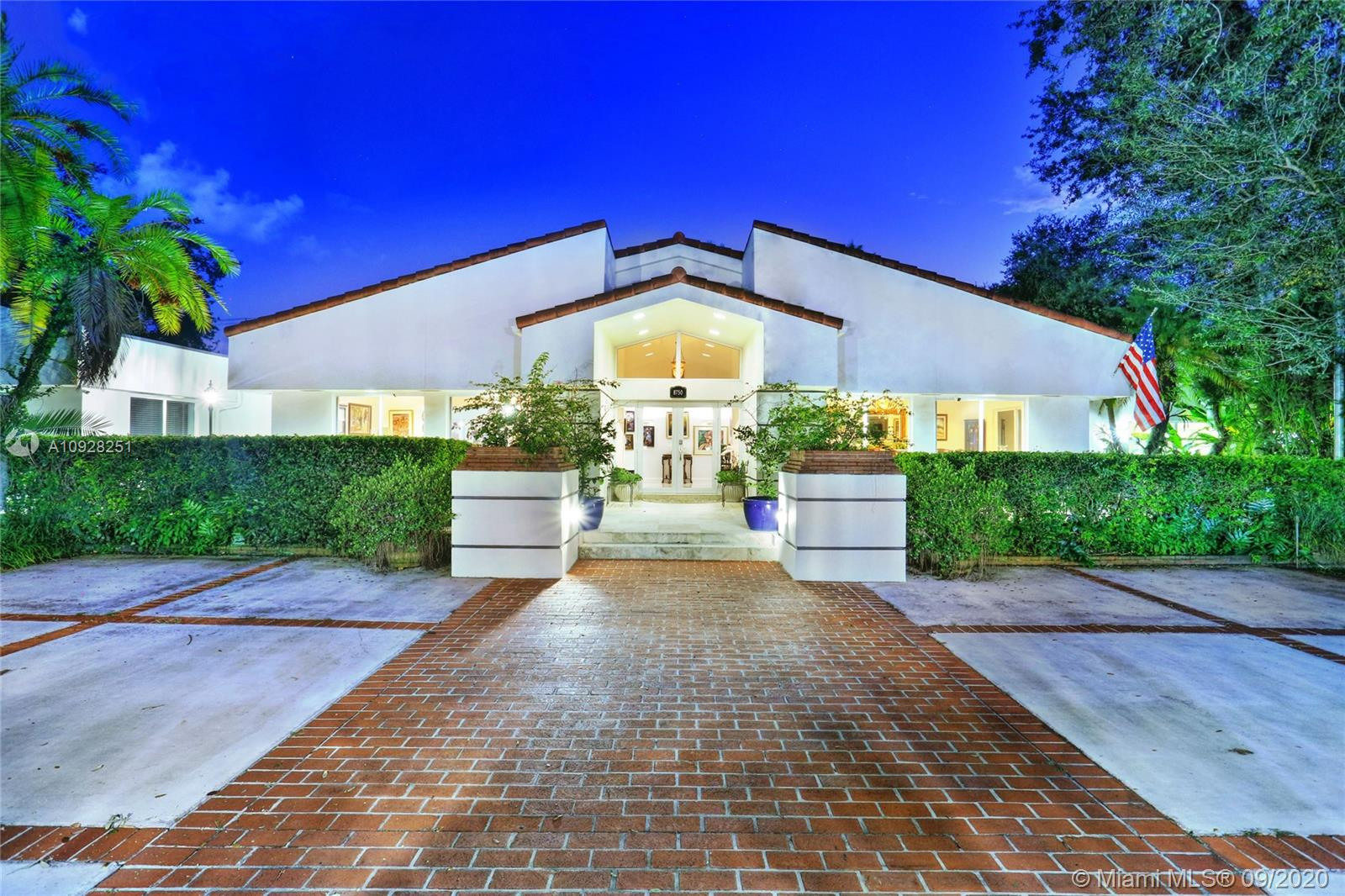 8750 SW 100th St  For Sale A10928251, FL