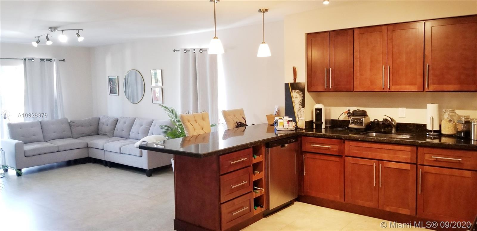 6886 N Kendall Dr #D202 For Sale A10928379, FL