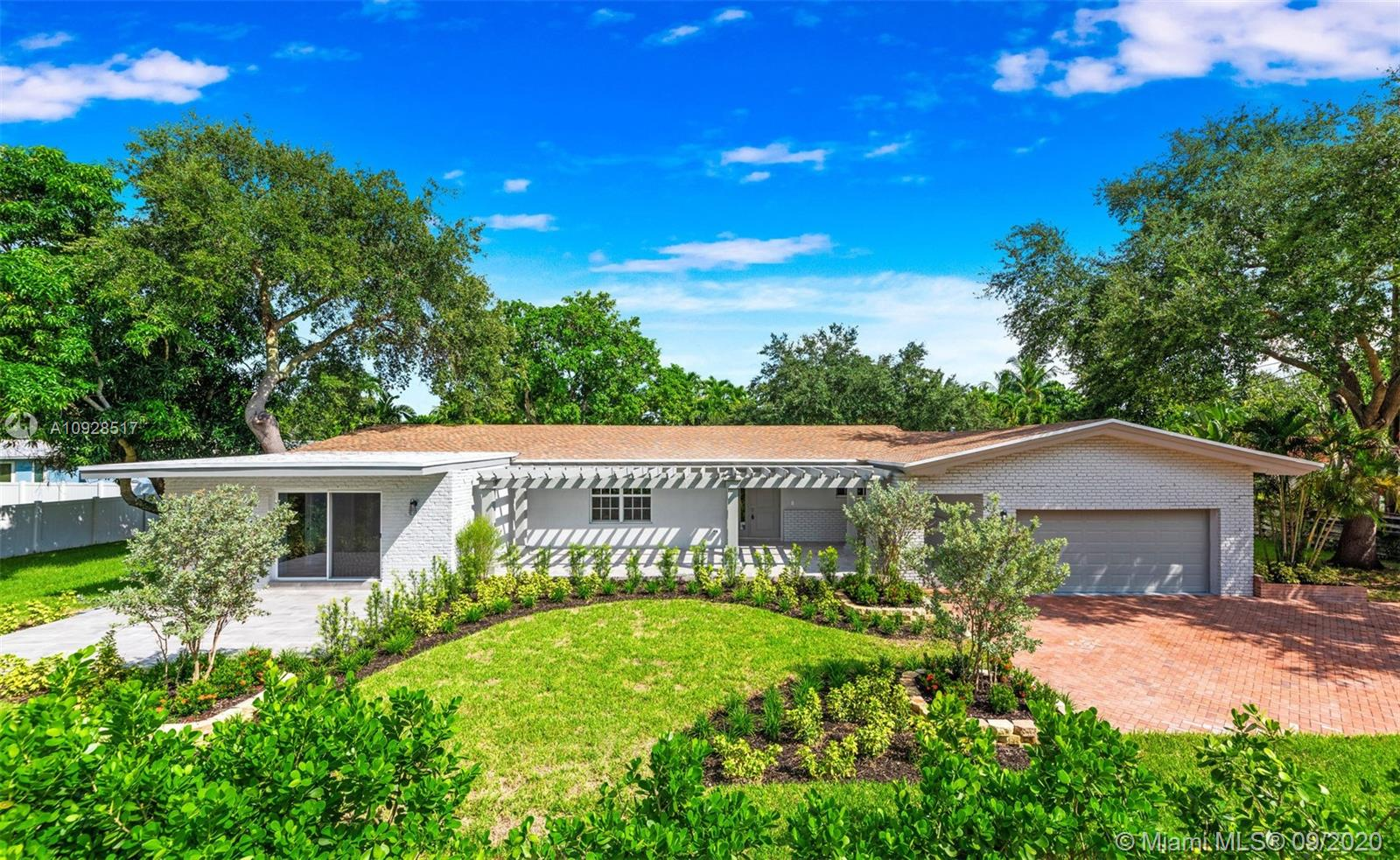 5851 SW 32nd Ter  For Sale A10928517, FL