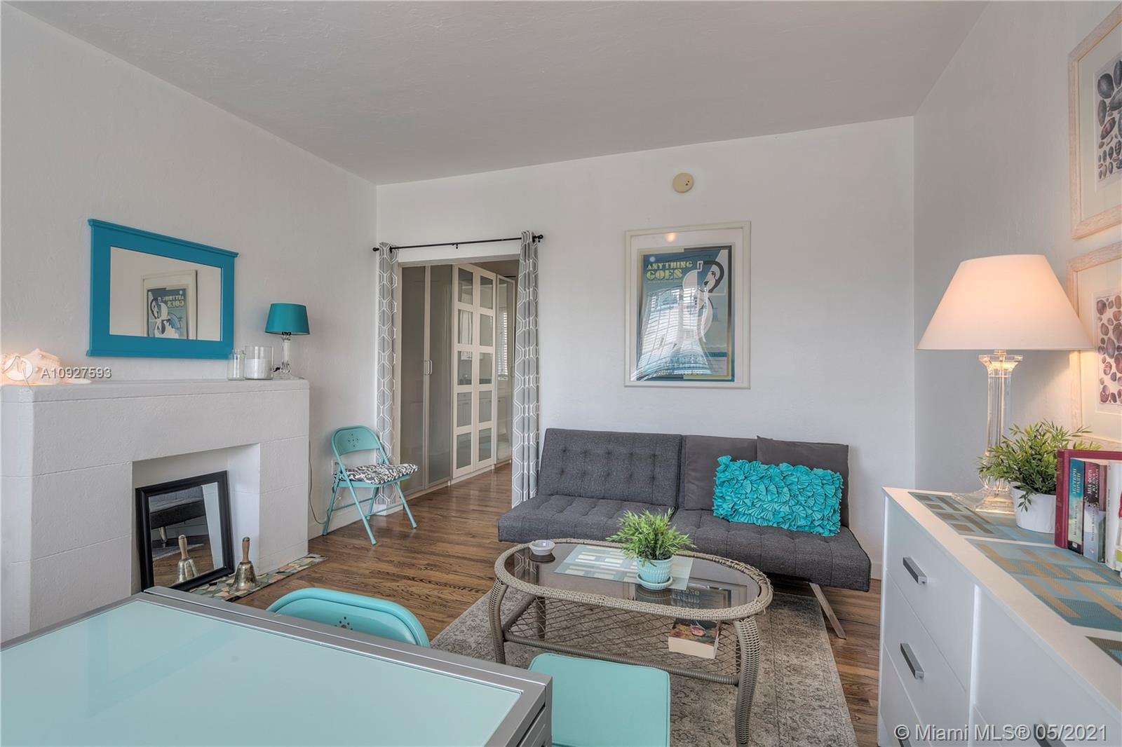 741  15th St #4 For Sale A10927593, FL