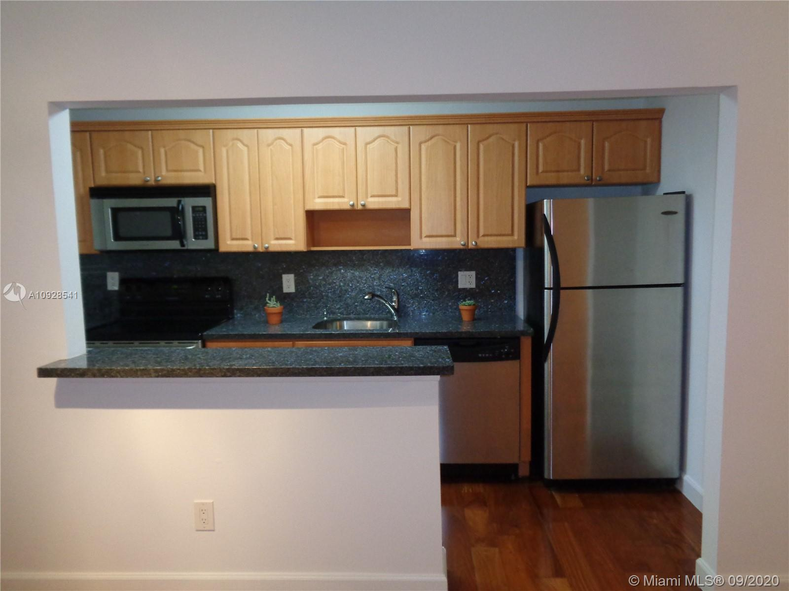 5839 SW 74th Ter #204 For Sale A10928541, FL