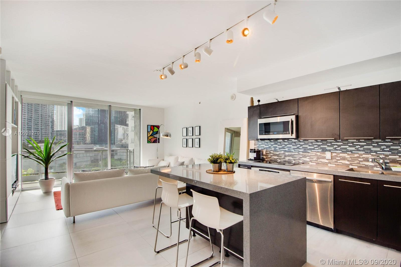 90 SW 3rd St #1514 For Sale A10928270, FL
