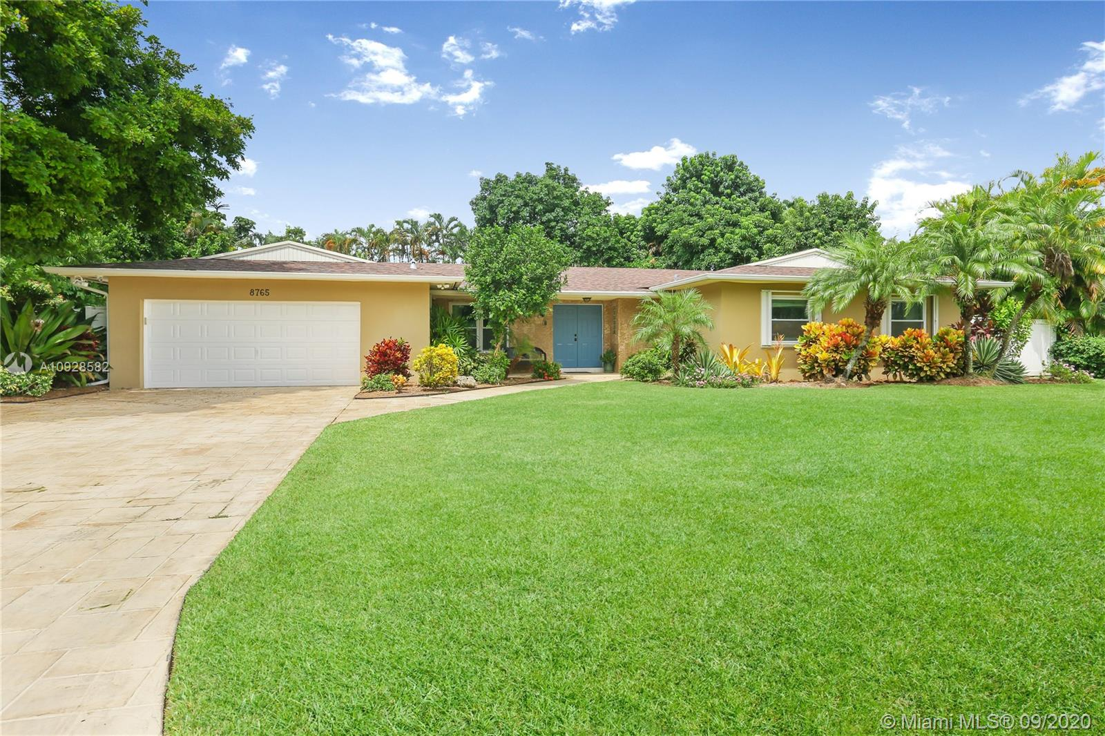 8765 SW 183rd Ter  For Sale A10928582, FL
