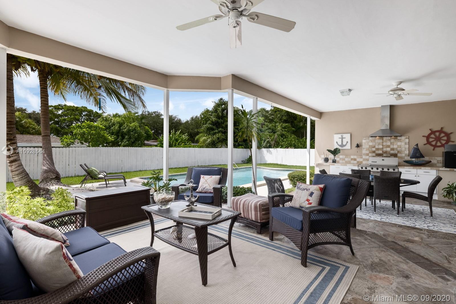 6740 SW 68th Ter  For Sale A10928564, FL
