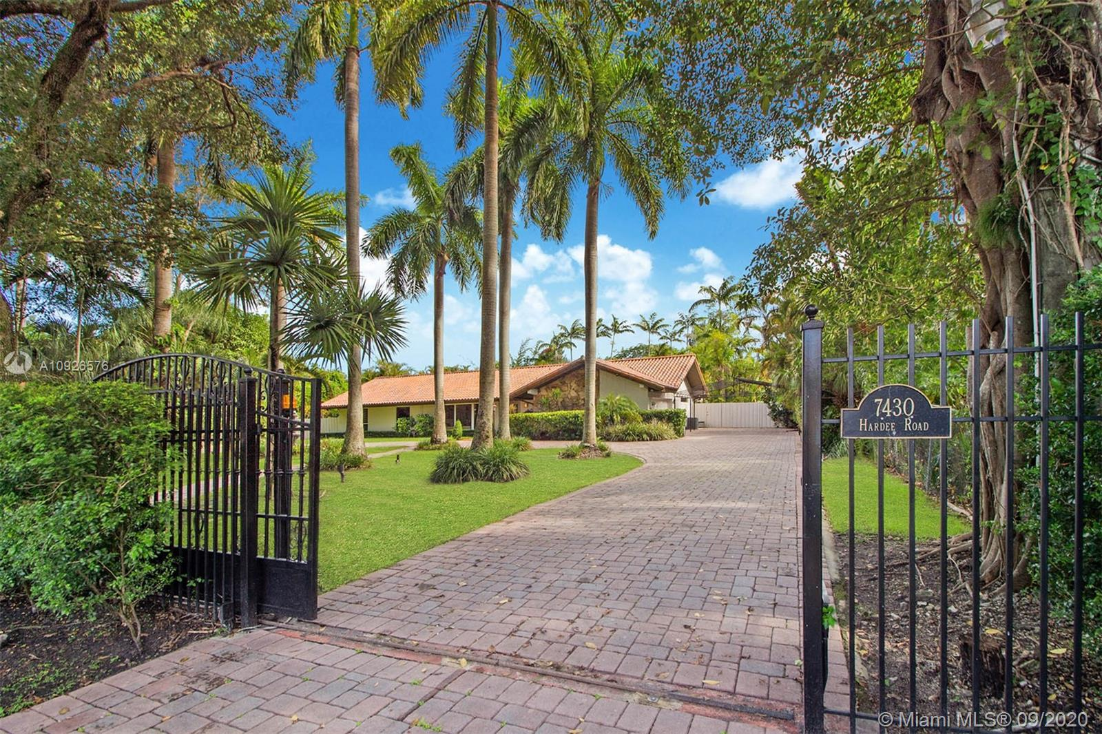 7430 SW 64th Street  For Sale A10926576, FL