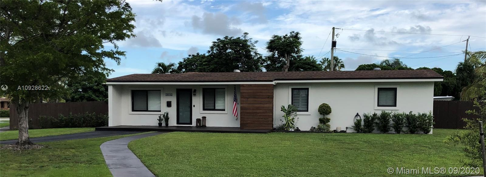 18135 SW 95th Ct  For Sale A10928622, FL