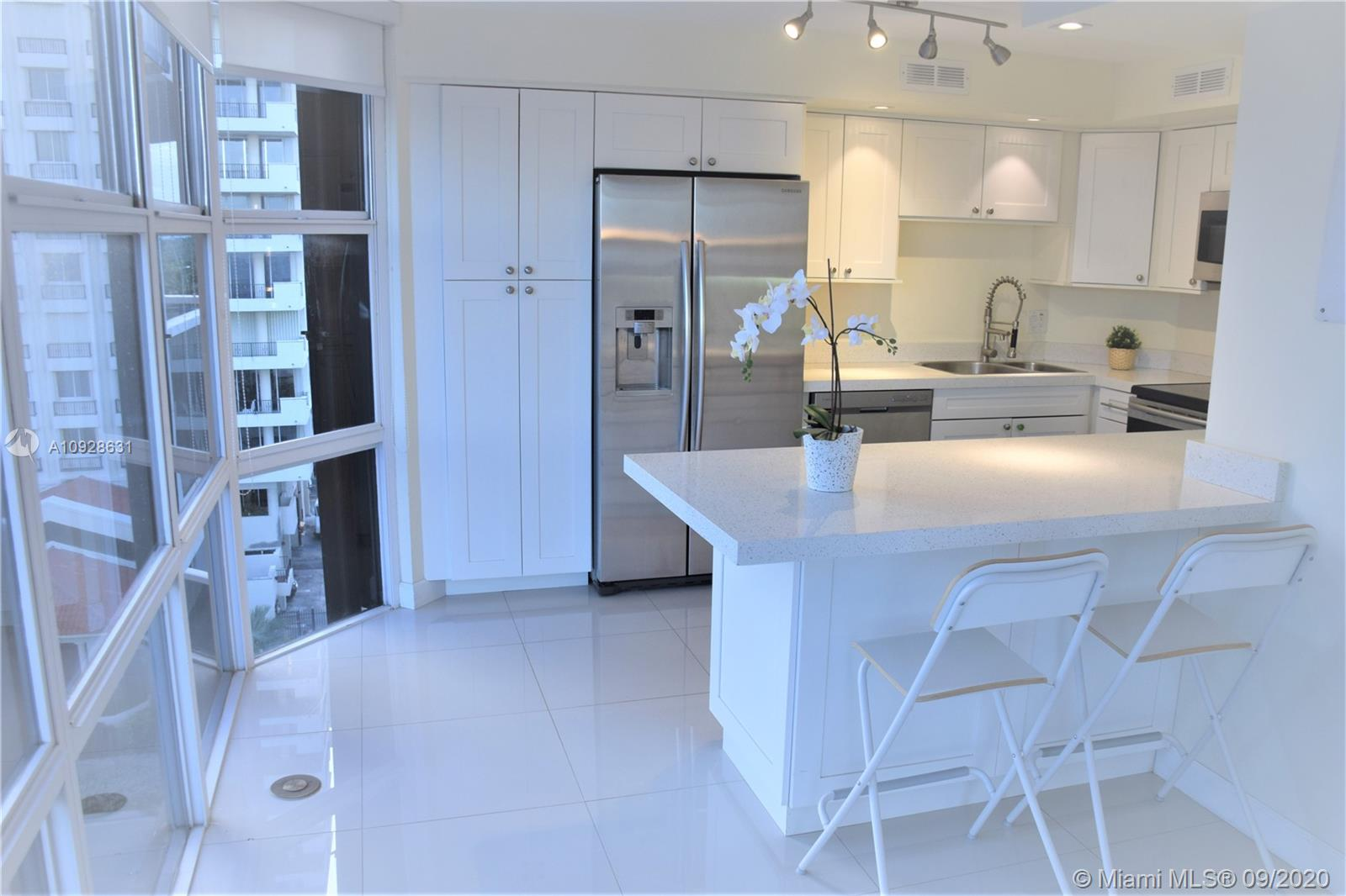 6423  Collins Ave #701 For Sale A10928631, FL