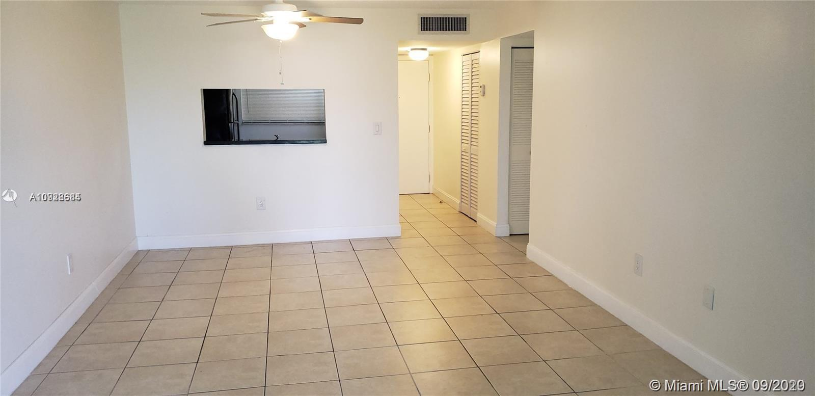 Nice unit in a gated community 2 bedrooms 2 bathrooms. Pool, Clubhouse Tennis court. Walking distance to public transportation close to 878 expressway. Few steps to Miami Dade Community College South Campus.
