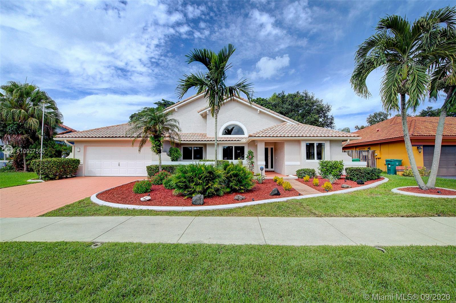 2001 SW 98th Ter  For Sale A10927595, FL