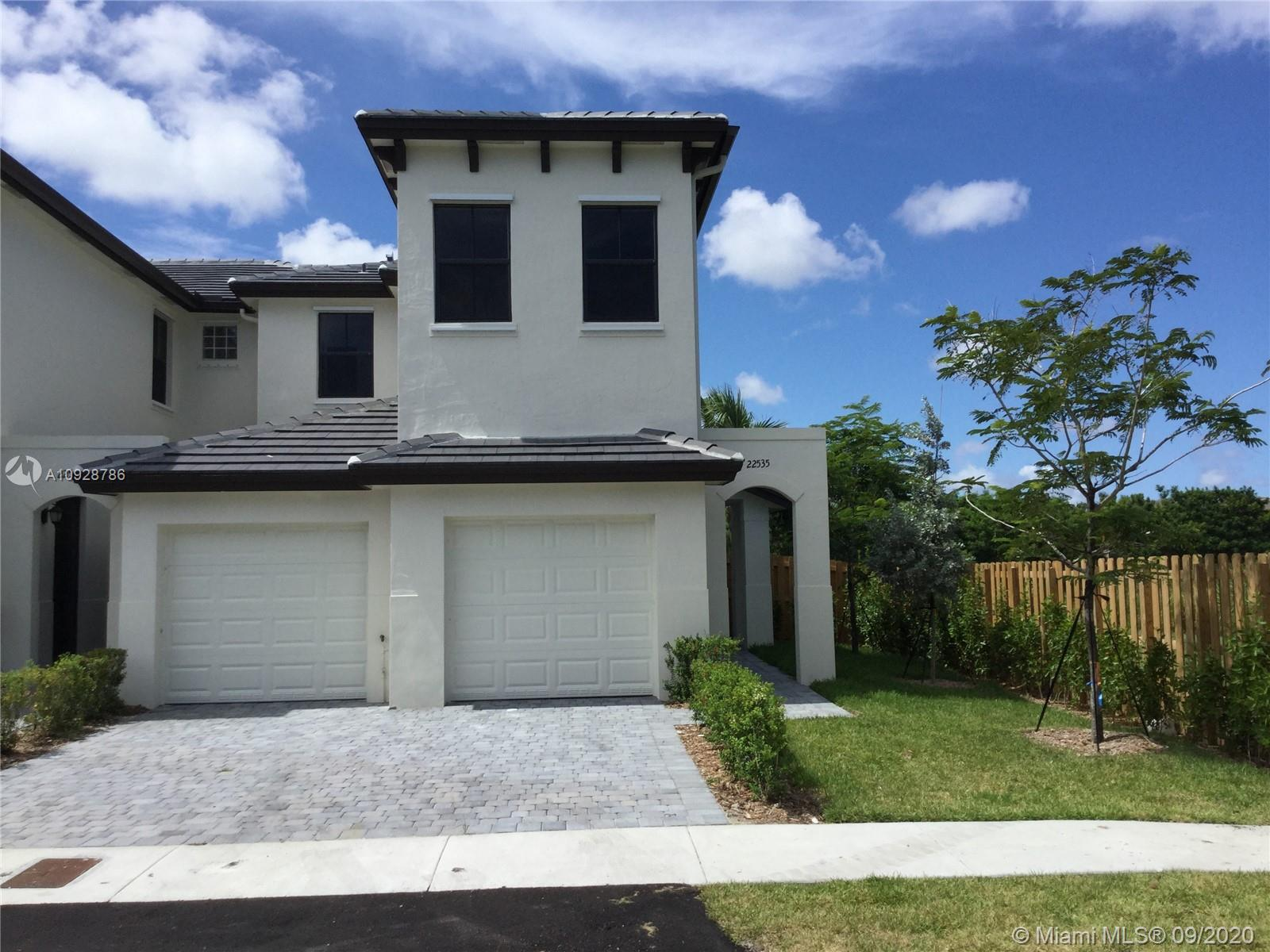 22535 SW 102nd Ave  For Sale A10928786, FL