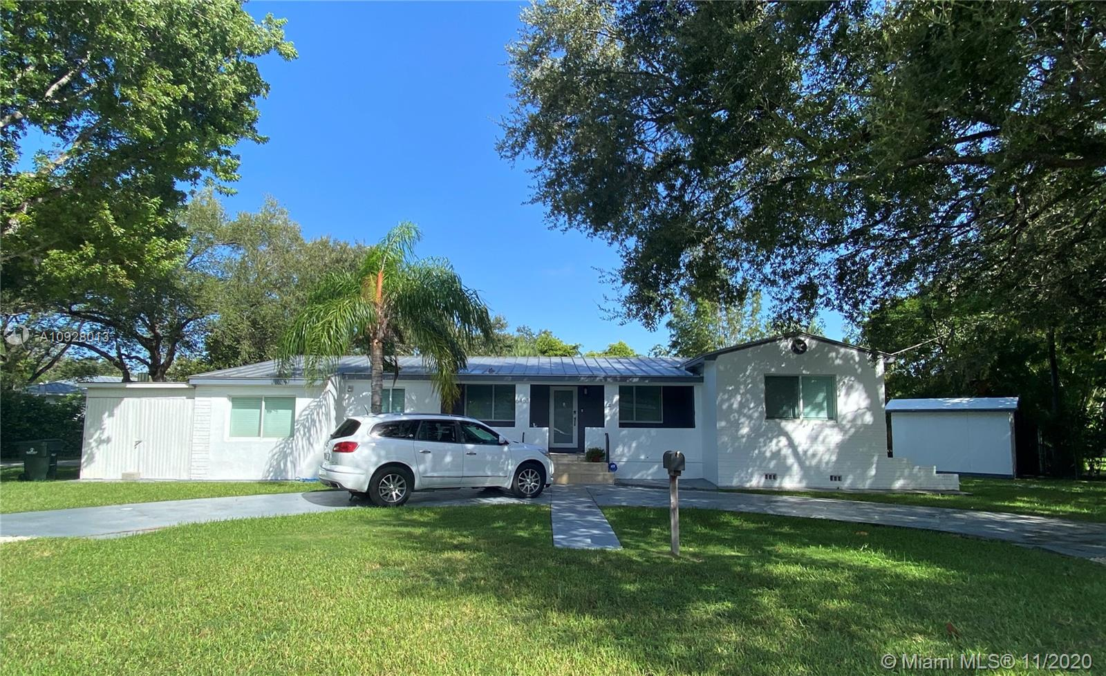 6463  Manor Ln  For Sale A10928013, FL