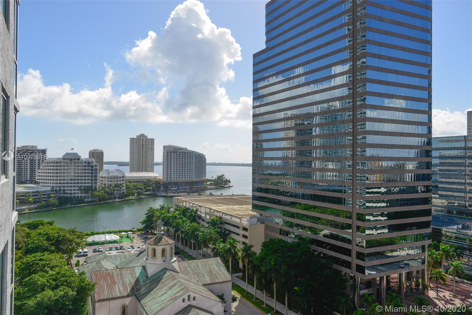 Recently renovated! new porcelain floor tiles, electric blind shades, led lighting, california closets, new a/c unit, and washer and dryer. Perfect location in Brickell Ave, one block away from Brickell Citi Centre Mall, banks, restaurants, and many more. Long balcony overlooking the bay and the city skyline.  The condo association fees cover the internet and cable.