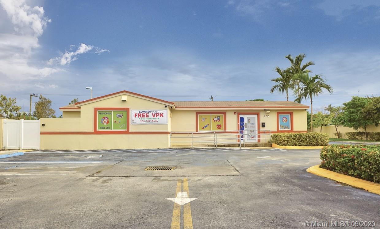 2710  Van Buren St  For Sale A10928873, FL