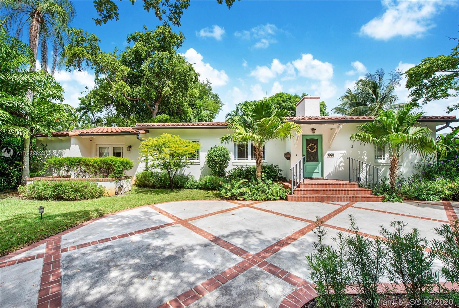 1031  Venetia Ave  For Sale A10928824, FL