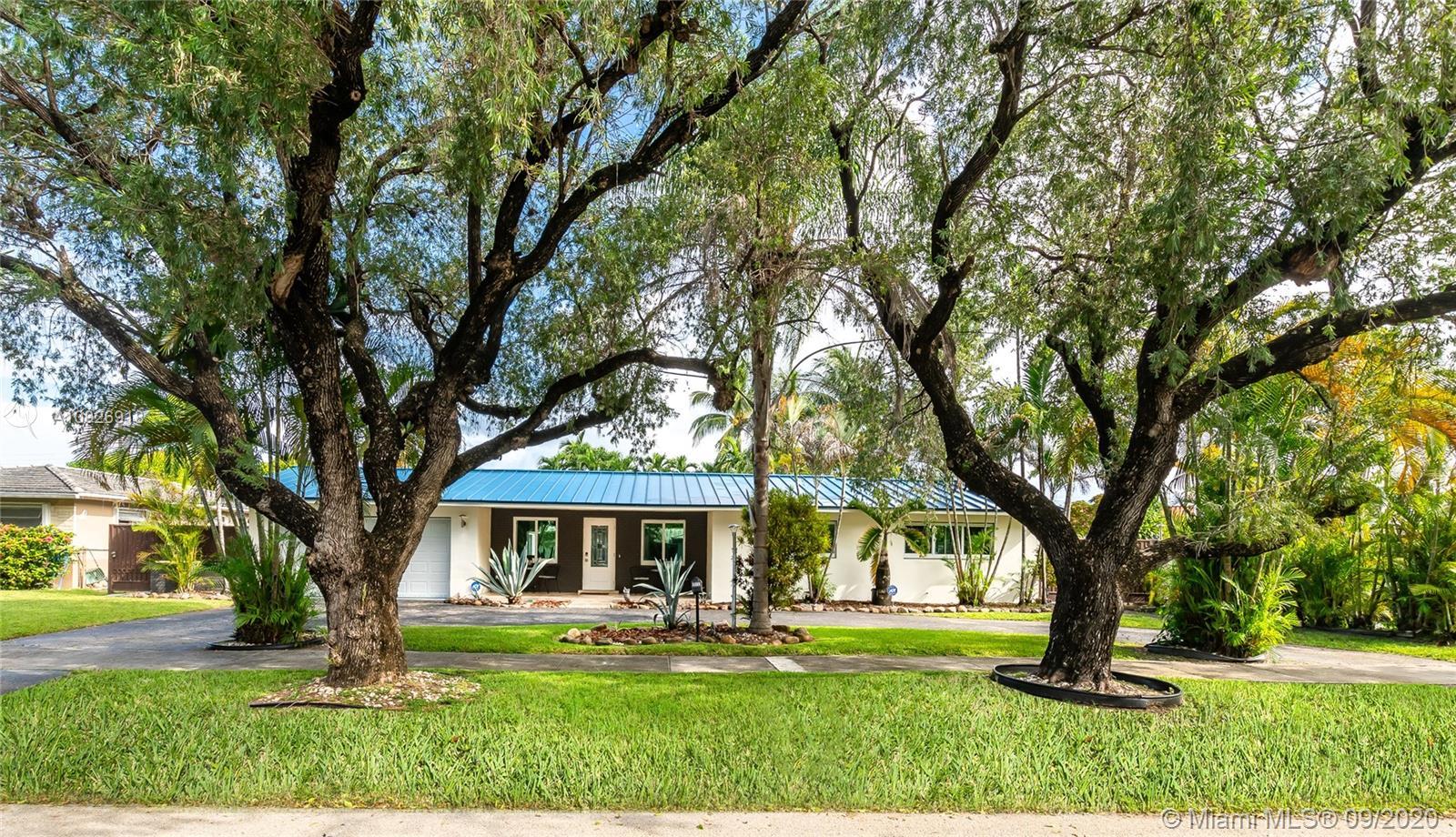 1031  Redbird Ave  For Sale A10926918, FL